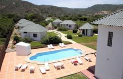 Schwimmbecken, Garten und Gästezimmer