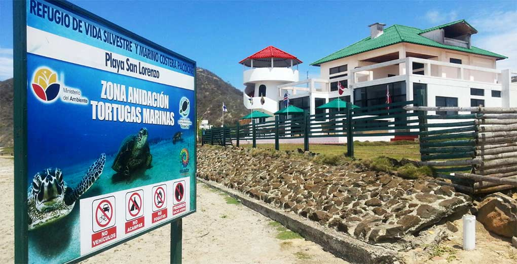 Letrero de Zona de anidación de tortugas