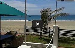 Terraza con acceso al mar y la playa